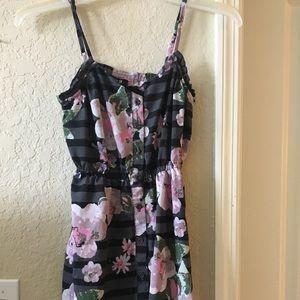 Forever 21 Dresses - Flower forever 21 small knee length dress